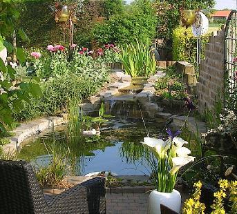Romantische tuinen belgi for Klein vijvertje aanleggen